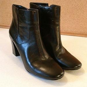 Nine west black leather side zip bootie short boot